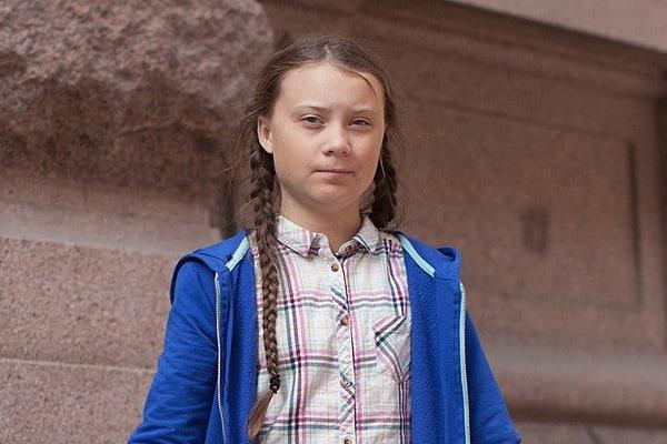 """""""Les nattes de Greta Thunberg sont faites en nylon et en plastique, des polymères dérivés du pétrole"""""""