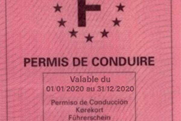 Sécurité routière: le gouvernement veut abaisser le nombre de points du permis de conduire de 12 à 1