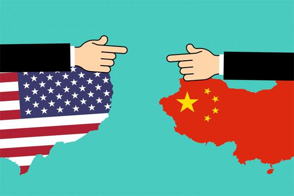 Guerre commerciale: augmentation annulation  suspension de la taxation par les États-Unis de 100 200 300  250 milliards de dollars de produits chinois