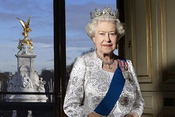 Boris Johnson propose d'échanger la reine Elizabeth contre un accord sur le Brexit